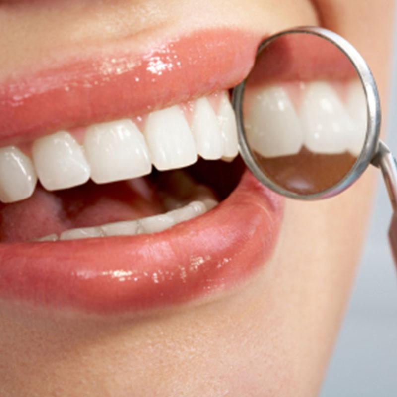 https://cliniquedentairepalmiers.ma/wp-content/uploads/2021/01/Dentisterie-esthétique.jpg